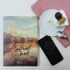 #centralpark #musso #nhanambooks #sachhay hoạ sĩ Tùng Nâm cho hay anh đã sử dụng chiếc điện thoại trong hình để thiết kế bìa sách này #app_iphone_thần_kỳ