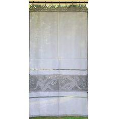 Craquez pour ce très joli rideau au crochet ange de style romantique de la marque Lilie Rose Déco. Habillez vos fenêtres de beaux rideaux en coton de qualité.