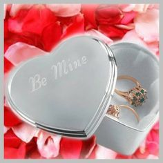 Top Five Wedding Anniversary Gifts for Wife Perfect Gift For Her, Gifts For Her, Personalized Valentine's Day Gifts, Anniversary Gifts For Wife, Great Birthday Gifts, Heart Jewelry, Jewelry Box, Christian Gifts, Keepsake Boxes