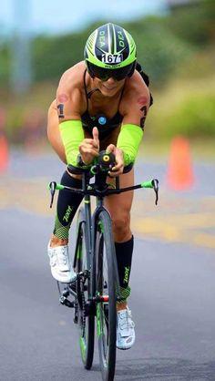 Road Bike Women, Bicycle Women, Bicycle Girl, Vive Le Sport, Triathlon Women, Bicycle Workout, Cycling Girls, Bike Style, Bike Run