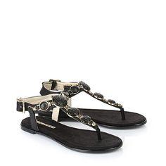 BUFFALO SHOES Buffalo thong shoes in black