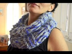 Chal o bufanda tejida con dos ajujas bien facil. Con Ruby Stedman - YouTube