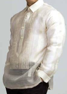 Barong, a traditional formal Filipino shirt commonly worn in weddings. The groom, Paka Reyes, worn a white barong. Barong Wedding, Filipiniana Wedding, Filipino Wedding Traditions, Wedding Prep, Wedding Ideas, Diy Wedding, Dream Wedding, Barong Tagalog, Wedding Dresses Under 100