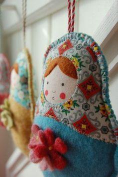 Babushka fabric dolls--like the felt flower embellishment Fabric Dolls, Paper Dolls, Art Dolls, Dolls Dolls, Felt Crafts, Fabric Crafts, Matryoshka Doll, Sewing Dolls, Felt Ornaments