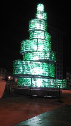 Escultura de botellas de sidra. Gijón.  Asturias. ESPAÑA