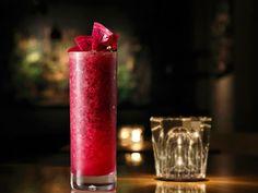 【表参道】フレンチ『NARISAWA』がバーをオープン! カクテルがウマすぎる『BEES BAR』 Pillar Candles, Whisky, Dressing, Whiskey, Candles