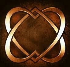 """mariahkaye-alpha: """"Mo Anam Cara ♡ My Soul Friend. I believe there are several of these important people in our lives, who come into our lives when we are most ready for them. Celtic Patterns, Celtic Designs, Baumgarten, Celtic Heart, Soul Shine, Online Drawing, Celtic Symbols, Celtic Knots, I Love Heart"""