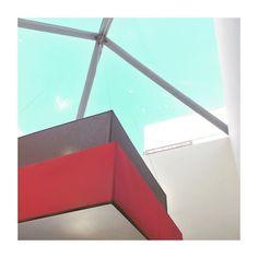 #ciudaddelfutbol #lasrozas #Madrid #spain #minimalism #minimal #minimalista #sky #cielo #igs #igers #igdaily #igworld #igersspain #igersmadrid #picoftheday #pictureoftheday #architecture #arquitectura #interiordesign #window #lamp #lampara #ventana