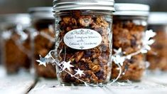 Spiced Pumpkin Granola with Cashews and Cranberries : part of my homemade gift series for December Pumpkin Recipes, Fall Recipes, Holiday Recipes, Pumpkin Granola, Pumpkin Spice, Spiced Pumpkin, Homemade Cookies, Homemade Gifts, Edible Gifts
