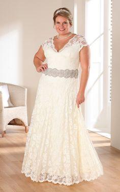 cheap plus size wedding dresses with color - informal wedding dresses for older brides Rustic Wedding Gowns, Informal Wedding Dresses, Plus Size Wedding Gowns, Western Wedding Dresses, Casual Wedding, Plus Size Dresses, Bridal Dresses, Lace Wedding, Formal Dress