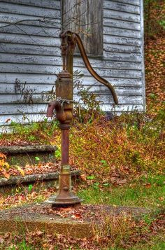 Water Well Pump / Waiting for life to return to the boarded up house. Country Charm, Country Life, Country Living, Country Treasures, Old Water Pumps, Boutique Interior, Country Scenes, Water Well, Farms Living