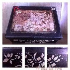Έτοιμο το κουτι αποθήκευσης της Νατάσας!!! Όπως μου το ζήτησε #vintage και με ανάγλυφες λεπτομέρειες!!!!  #handmade #decoupage #box #paper #ricepaper #homedecor #butterflies #uniquegift #red #ilovepaper #be creative #stencil #technique #vintagelove