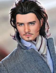 Noel Cruz Creations-  I'm not a doll person but this creation of Orlando Bloom is a very good likeness. Bravo