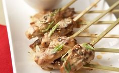 Looking for a last-minute appetizer? Whip up one of these easy and quick appetizers for a delicious pre-dinner bite. Healthy Thai Recipes, Epicure Recipes, Lunch Recipes, Asian Recipes, New Recipes, Party Recipes, Healthy Food, Recipies, Side Dishes Easy