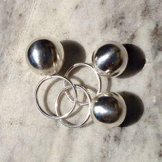 all that glitters is not golden All That Glitters, Pearl Earrings, Jewellery, Pearls, Pearl Studs, Jewels, Schmuck, Beads, Bead Earrings