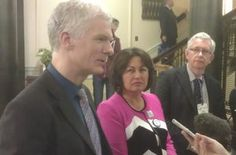 Andreas Schleicher answers questions during the summit. Beside him are Education Minister Hekia Parata and Education International senior consultant, John Bangs.