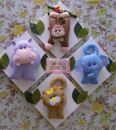 Quadrinhos Tema Safári Medidas: 20 cm x 20 cm (cada) Animais: 25 cm