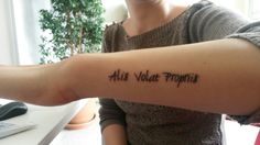 Alis Volat Propriis