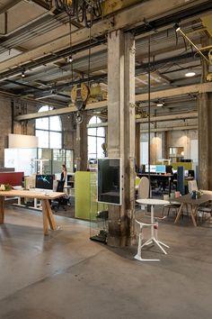 #Bueroschoch #design #interiordesign #Industrial #Factory #Inspiration #winterthur #Einrichtung Winterthur, Work Spaces, Interiordesign, Showroom, Interior Decorating, Around The Worlds, Industrial, House Design, Inspiration