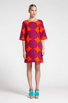 Marimekko Rotko Red-Orange/Violet Dress Perfect for a party or an active day out, the Marimekko Rotko Dress is versatility at its best. Made from a cotton and elastane blend, this lightweight jersey dress has a bit of stretch to allow for co. Marimekko Dress, Marimekko Fabric, Moda Fashion, Womens Fashion, Violet Dresses, Textiles, Colorful Fashion, Simple Dresses, Pretty Outfits