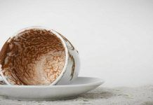 Μάθε να διαβάζεις το φλιτζάνι του καφέ! Coffee Reading, Serving Bowls, Decorative Bowls, Food And Drink, Coconut, Fruit, Breakfast, Tableware, Greeks