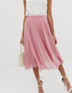 Buy ASOS DESIGN pleated midi skirt at ASOS. With free delivery and return options (Ts&Cs apply), online shopping has never been so easy. Get the latest trends with ASOS now. What To Wear To A Wedding, How To Wear, Asos, Pleated Midi Skirt, High End Fashion, Style Guides, Fashion Online, Going Out, Womens Fashion