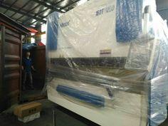 250T/2500 press brake machine export to Peru  Nanjing Harsle Machine Tool Co.,Ltd Tel&whatsapp:+86-17327993579(wechat) E-mail:jenny@harsle.com Web:www.harsle.com Press Brake Machine, Hydraulic Press Brake, Cnc Controller, Machine Tools, Nanjing, India, Website, Peru, Ivy
