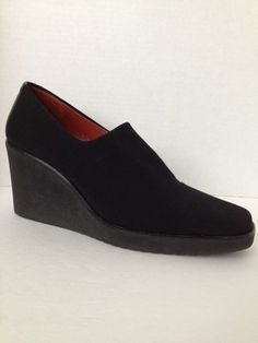 Donald J. Pliner lightweight wedge heels in Size 8. Great price with free shipping.