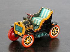 1950s tin litho old car - made in Japan by TKK