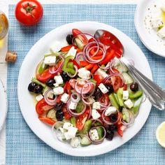 Greek peasant salad - so fast and easy - Abend - Salat Rezepte Caprese Salad, Cobb Salad, Crockpot Recipes, Cooking Recipes, Couscous, Bbq, Brunch, Food And Drink, Greek