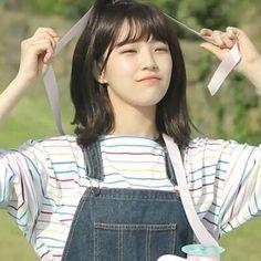 Cute Korean Girl, South Korean Girls, Korean Girl Groups, Cute Girls, Cool Girl, Sketch Poses, School Songs, Grunge Girl, K Idols