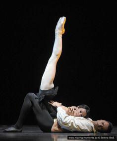 "Polina Semionova and Ibrahim Önal in Roland Petit's ""Carmen"" (PartII) during the Staatsballet Berlin /Ballet Gala 2011 /Photo by Bettina Stöß"