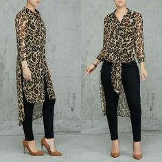 Exotic and what not 💬 Search: Hear Me Roar Tunic & It's Just That Simple Pants Classy Outfits, Chic Outfits, Hijab Fashion, Fashion Dresses, Mode Kimono, Animal Print Outfits, African Fashion, Casual Chic, Blouse Designs