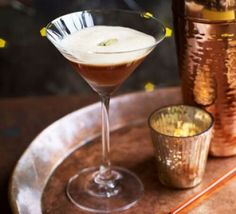 If you love coffee cocktails, try our festive sour. Seasonal favourites like warming cinnamon, aromatic cloves and spiced rum go well with a deep coffee hit Coffee Cocktails, Easy Cocktails, Classic Cocktails, Cocktail Recipes, Drinks, Beverages, Vegan Yorkshire Pudding, Gingerbread Latte, Sour Cocktail