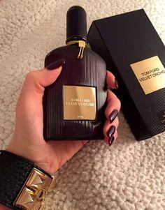 Black Orchid by Tom Ford - Eau De Parfum Perfume Tom Ford, Perfume Scents, Perfume Bottles, Perfume Organization, Parfum Rose, Victoria Secret Perfume, Dolce E Gabbana, Best Perfume, Perfume Collection