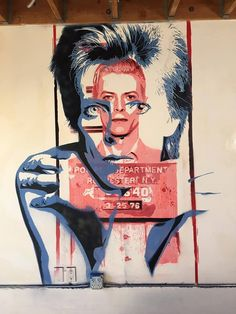 David Bowie Stencil wall tribute by F CK Flavio Campagna Kampah at Winston House in Venice #streetart #Bowie