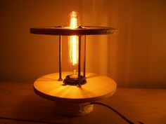 This project is a little more advance, but still so cool! Transform an old cable reel into a cool industrial lamp with Antique Light Bulbs, Cable Reel, Wire Spool, Diy Home Decor, Recycling, Home And Garden, Industrial, Diy Crafts, Cool Stuff