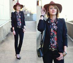 H Fedora, Vintage Tie Blouse, Zara Blazer, Sophie Hulme Bag, Vintage Belt, Hermës Bangles, Zara Jeans, Prada Pumps