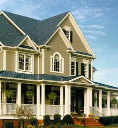 Best 35 Best House Colors For Green Roof Images Exterior 400 x 300