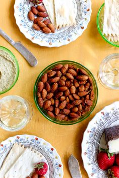Homemade Smokehouse Almonds - #recipe at cali-zona.com