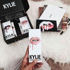 Imagem de lipstick, makeup, and beauty