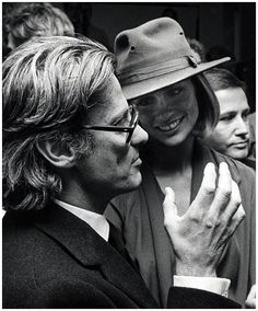 Lauren Hutton and Richard Avedon  OPENING AT MARLBOROUGH GALLERY, SEPTEMBER 1975  Photo Ron Galella