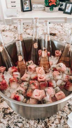 Wedding Shower Decorations, Brunch Party Decorations, Bridal Shower Desserts, Wedding Shower Drinks, Bridal Shower Foods, Diy Wedding Food, Brunch Decor, Bridal Shower Tables, Bridal Shower Signs