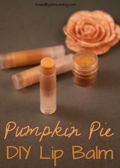 Pumpkin Pie Lip Balm- This easy DIY Pumpkin Pie Lip Balm makes enough to share with friends and it smells absolutely delicious! Pumpkin Pie Lip Balm- This easy DIY Pumpkin Pie Lip Balm makes enough to share with friends and it smells absolutely delicious! Homemade Lip Balm, Diy Lip Balm, Homemade Skin Care, Homemade Beauty Products, Diy Pumpkin, Pumpkin Spice, Lip Balm Recipes, Lipgloss, Diy Lipstick