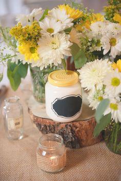 Wedding centerpiece by: hillside-consultants.com