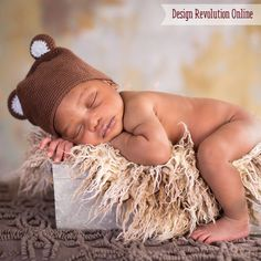 Design Revolution loves offering newborn photography ideas and tips.  Learn how to use some newborn boy photography props and create your own version of this snuggly image!