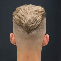 30 Simple & Easy Hairstyles For Men Men's Low Maintenance Haircuts V Fade Hairstyle With Textured Slick Back Cool Hairstyles For Men, Trending Hairstyles, Haircuts For Men, Easy Hairstyles, Straight Hairstyles, High Skin Fade Haircut, Really Short Haircuts, Disconnected Haircut, Hair And Beard Styles