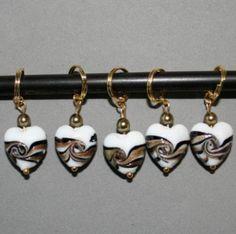 Swirl maskemarkører - hjerter med sort og gull