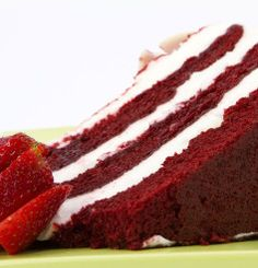 When it comes to desserts, the Southern Red Velvet Cake is in a class of its own. This is one easy cake recipe that can be made for any special occasion! Vegan Wedding Cake, Wedding Cakes, Southern Red Velvet Cake, Red Velvet Wedding Cake, Sexy Cakes, Sante Plus, Thing 1, Red Food Coloring, Easy Cake Recipes