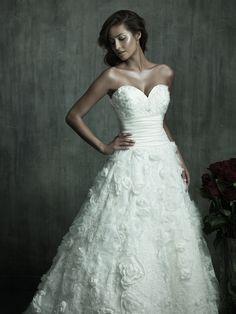 BREATH TAKING: WEDDING DRESS.